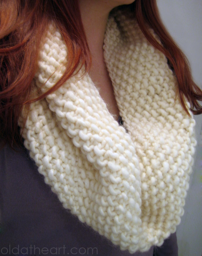 Knitting Pattern For Simple Scarf : easy knit cowl scarf old at heart